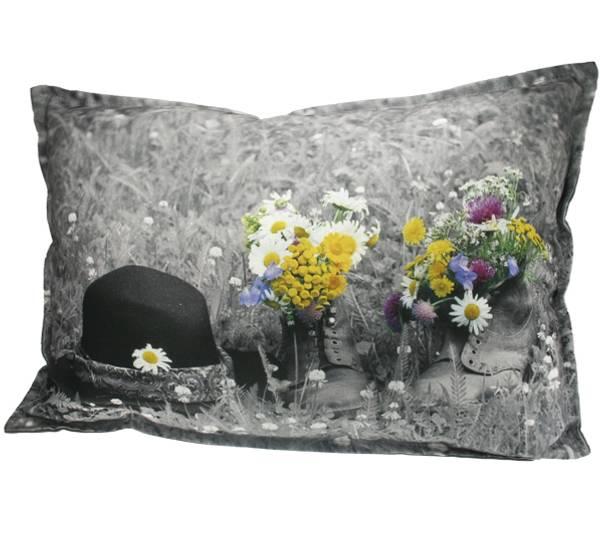 Bilde av Pute med fyll- Sko med blomster - Pryd