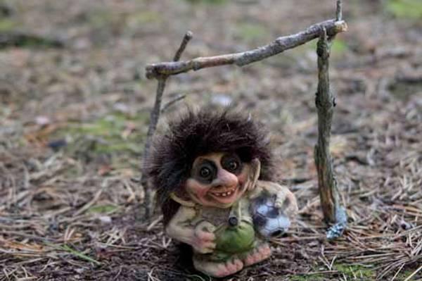 Bilde av Troll, gutt med ball (Troll nr. 014)
